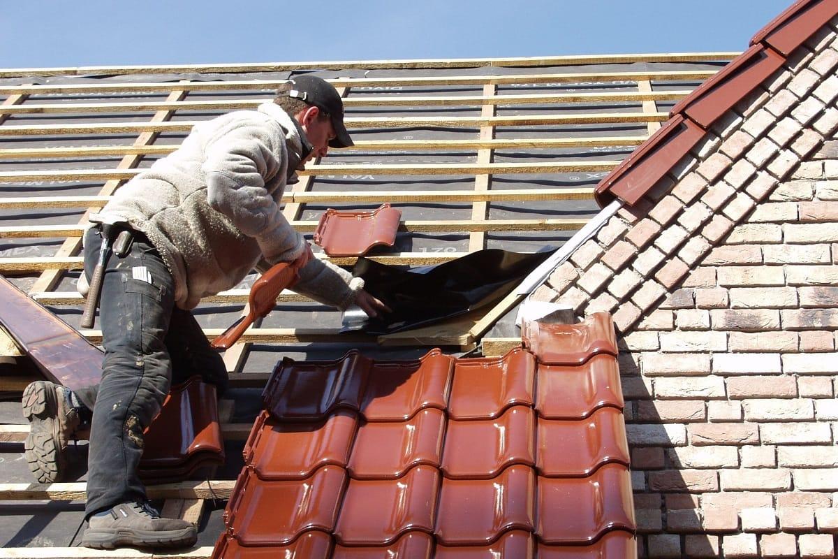 Kombiförderung für Solar und energetisch optimierte Dächer gefordert