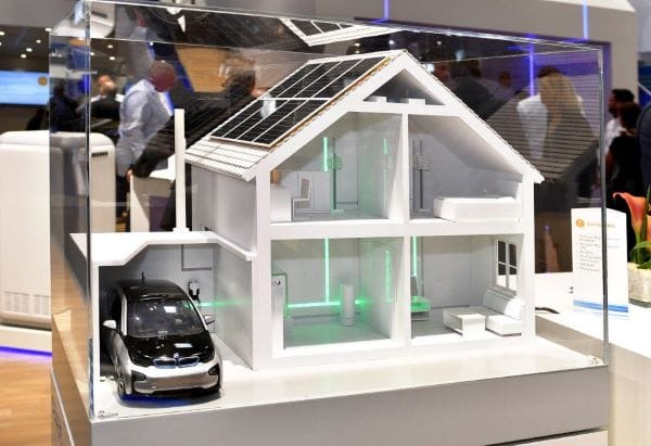 Intersolar Europe Conference 2021: Neue Photovoltaik- und Stromspeichertechnologie